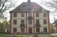 Wohnen im Schloss, Verkauf Schlosswohnung mit Reitstall in Bad Krotzingen / Breisgau – Hochschwarzwald