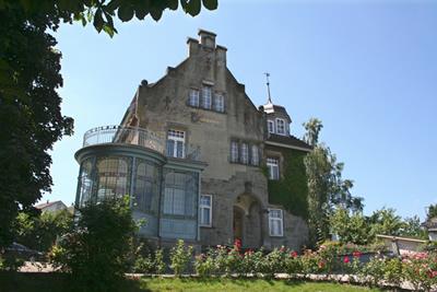 verkauf einer historischen jugenstilvilla roseneck in kirchberg bei wil schweiz zwischen. Black Bedroom Furniture Sets. Home Design Ideas