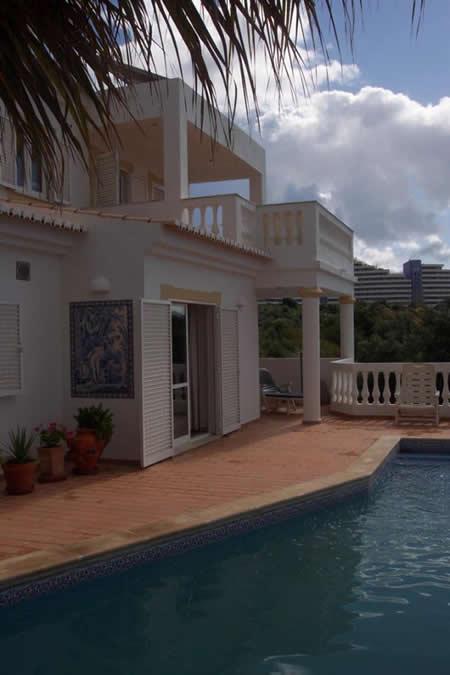 Verkauf villa mit pool in portimao algarve portugal for Pool verkauf