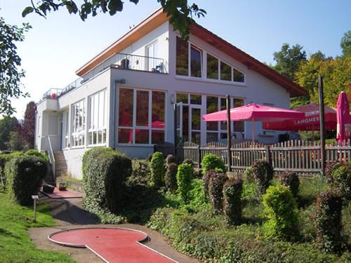 verkauf minigolfanlage in der region heidelberg heilbronn mit gastronomie biergarten. Black Bedroom Furniture Sets. Home Design Ideas