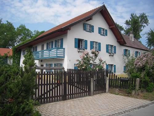 verkauf historischer hof mit scheune und gro em garten in niederbayern sehr sch ne atmosph re. Black Bedroom Furniture Sets. Home Design Ideas