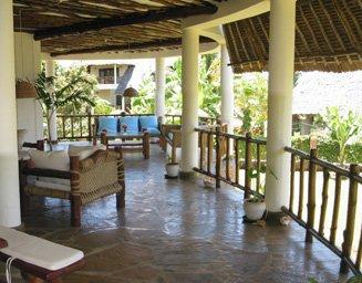 verkauf villa haus appartmentwohnungen kenia diani beach bau einer villenanlage in kenia. Black Bedroom Furniture Sets. Home Design Ideas